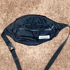 adidas  Unisex-Adult Utility Crossbody Bag